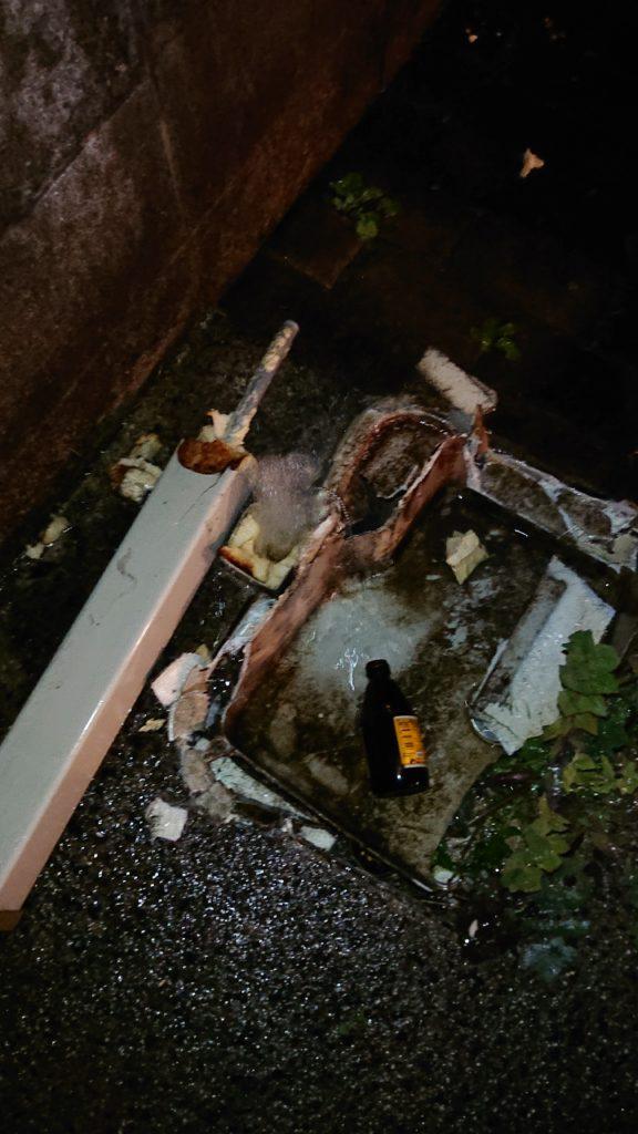 破損した屋外水栓