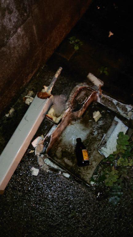 壊れた屋外水栓