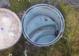 お風呂の排水口がつまった!汚水枡を高圧洗浄機で清掃し解決!【○地域名○の事例】