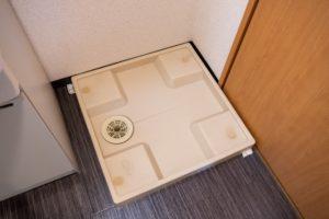 洗濯機排水口から異臭が!高圧洗浄機で洗浄して解決!