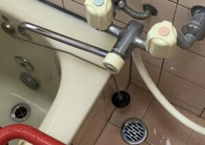お風呂つまり修理|排水管につまった髪の毛を高圧洗浄機で洗浄!【熊本市東区の事例】